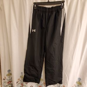 Under Armour black track pants youth xl